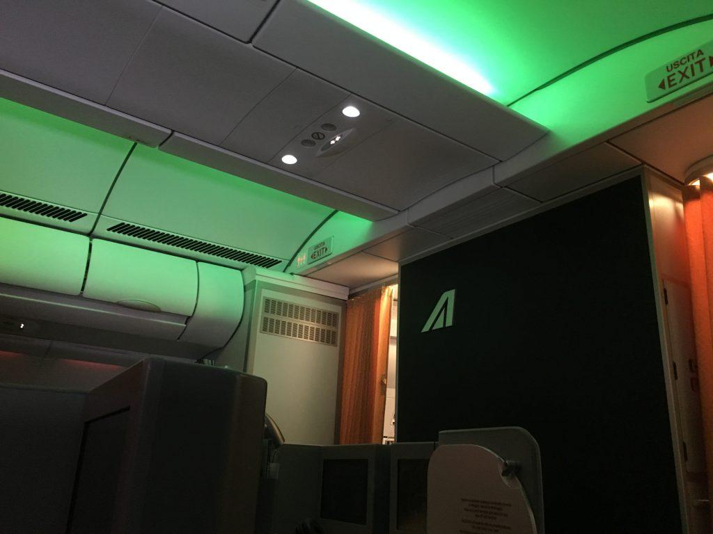 alitalia_business_class_a330_ord_fco-60