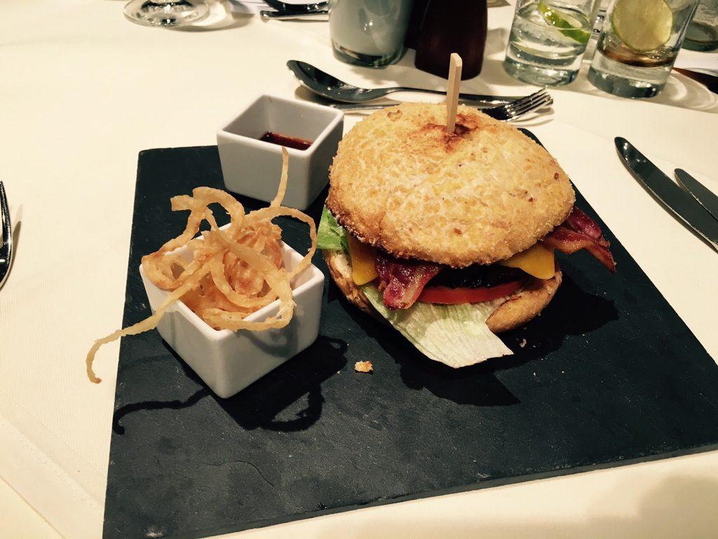 first_class_terminal_american_dinner-3