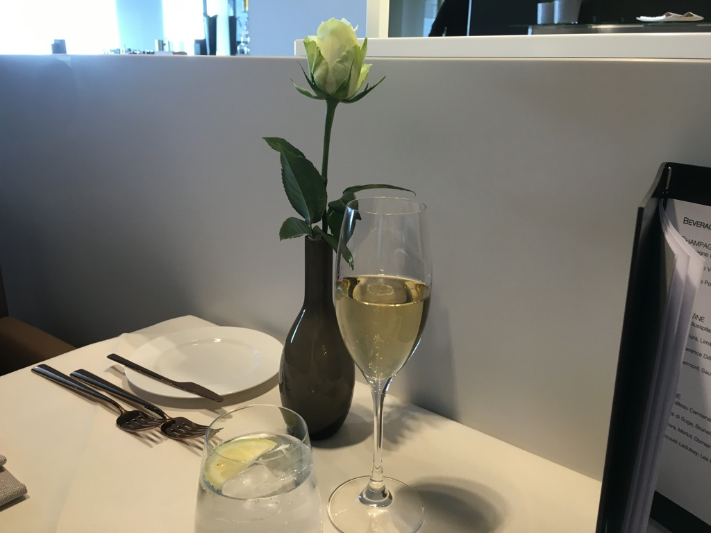 lufthansa_first_class_lounge_muc_satellit-19