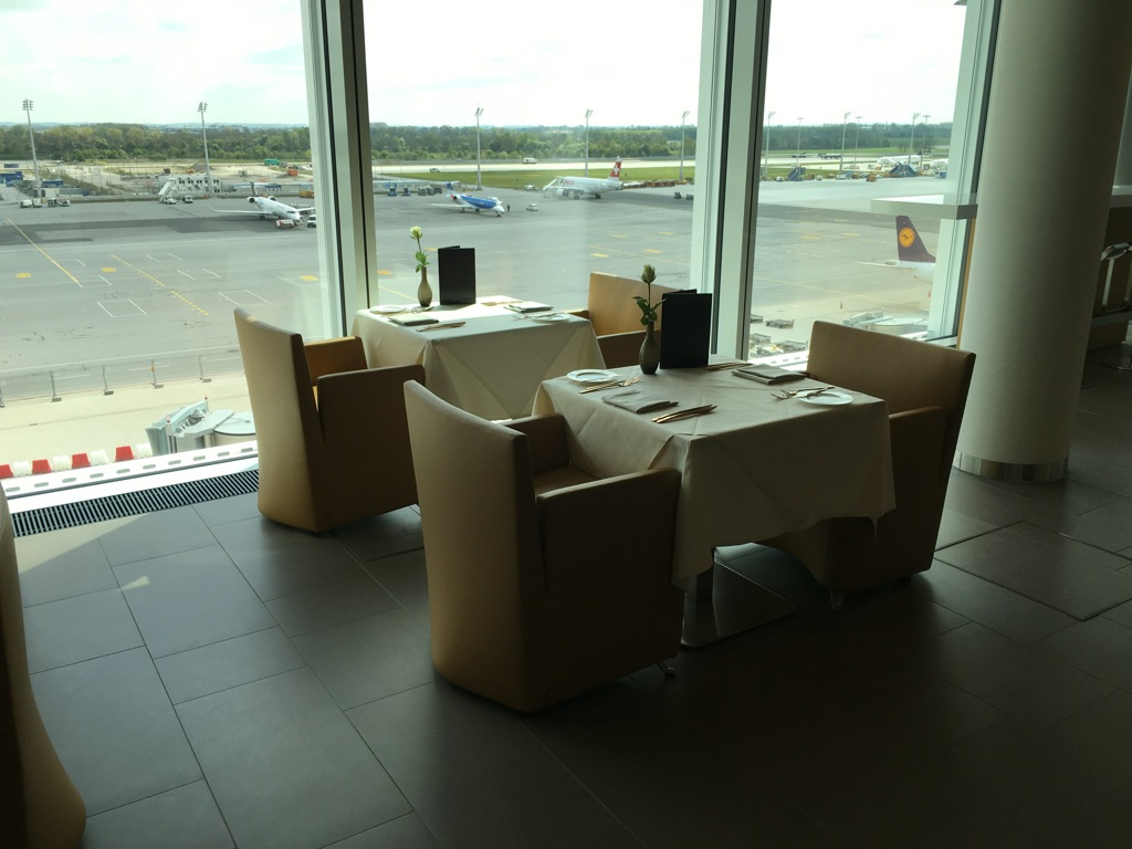 lufthansa_first_class_lounge_muc_satellit-24