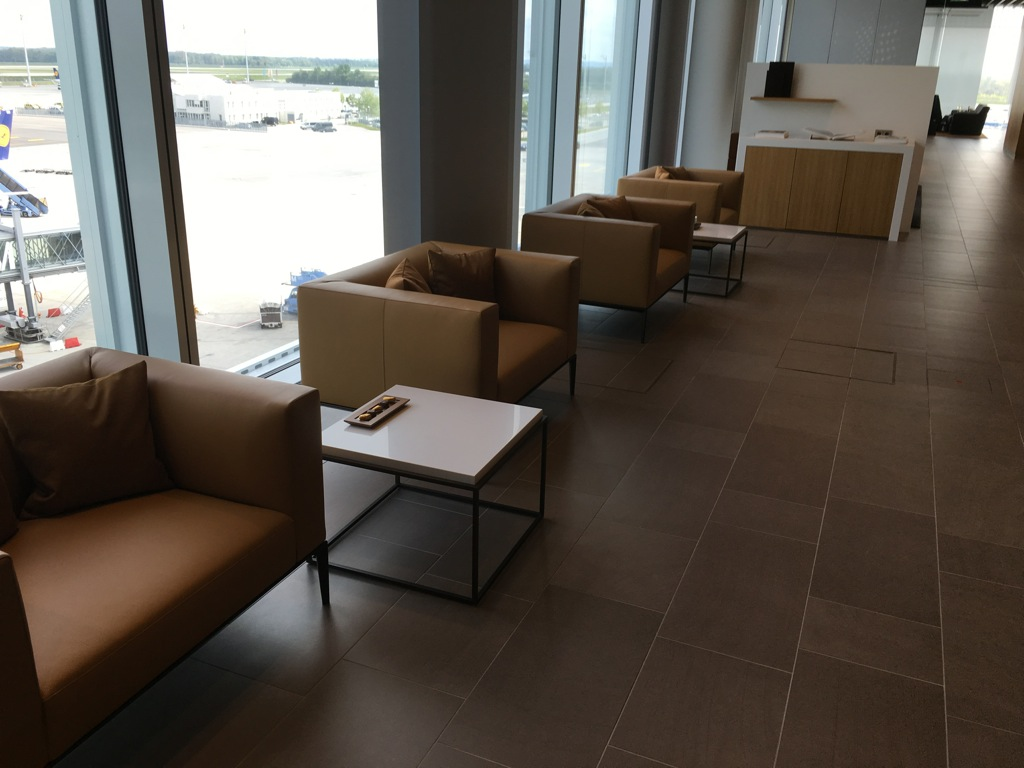 lufthansa_first_class_lounge_muc_satellit-3