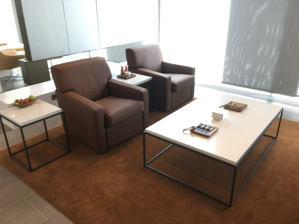 lufthansa_first_class_lounge_muc_satellit-41