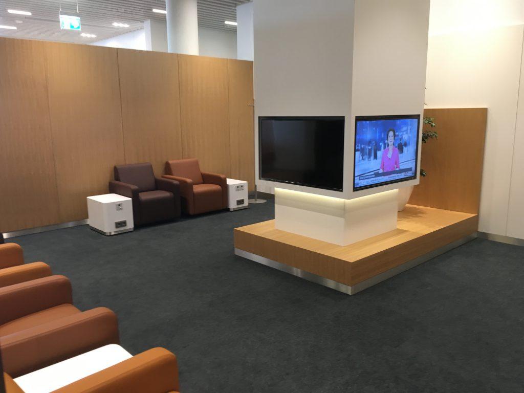 review lufthansa senator lounge m nchen satellit non schengen. Black Bedroom Furniture Sets. Home Design Ideas