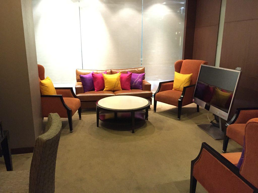 thai_royal_first_lounge_bangkok-8