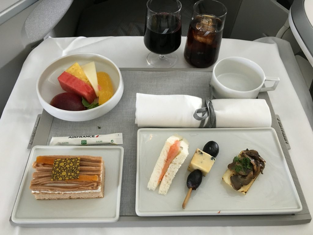 review air france business class boeing 777 300er singapur nach jakarta. Black Bedroom Furniture Sets. Home Design Ideas