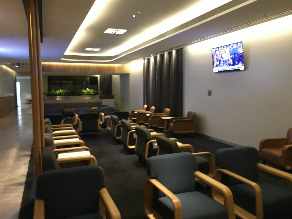 qantas-business-lounge-domestic-perth-2