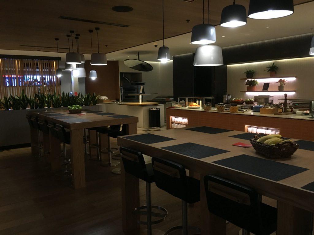 qantas-business-lounge-domestic-perth-4