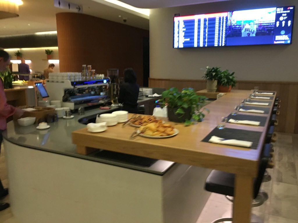 qantas-business-lounge-domestic-perth-9
