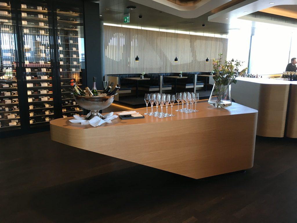 swiss-first-class-lounge-e-13