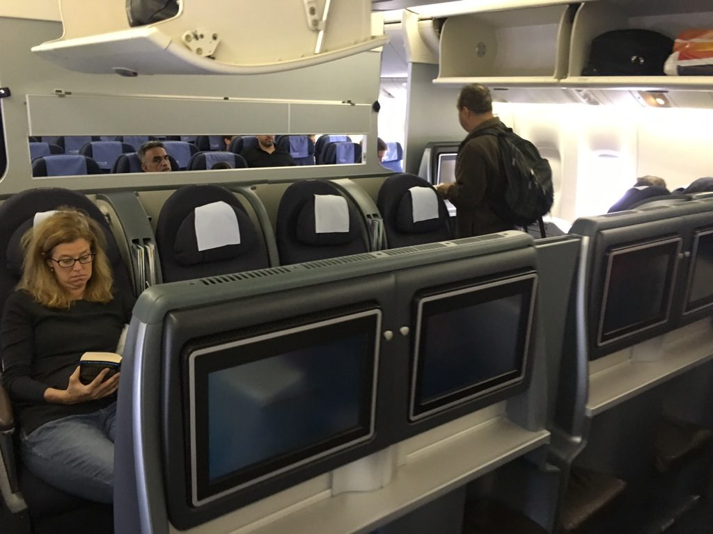 Review: United Airlines Business Cl Boeing 777-200 Frankfurt ...