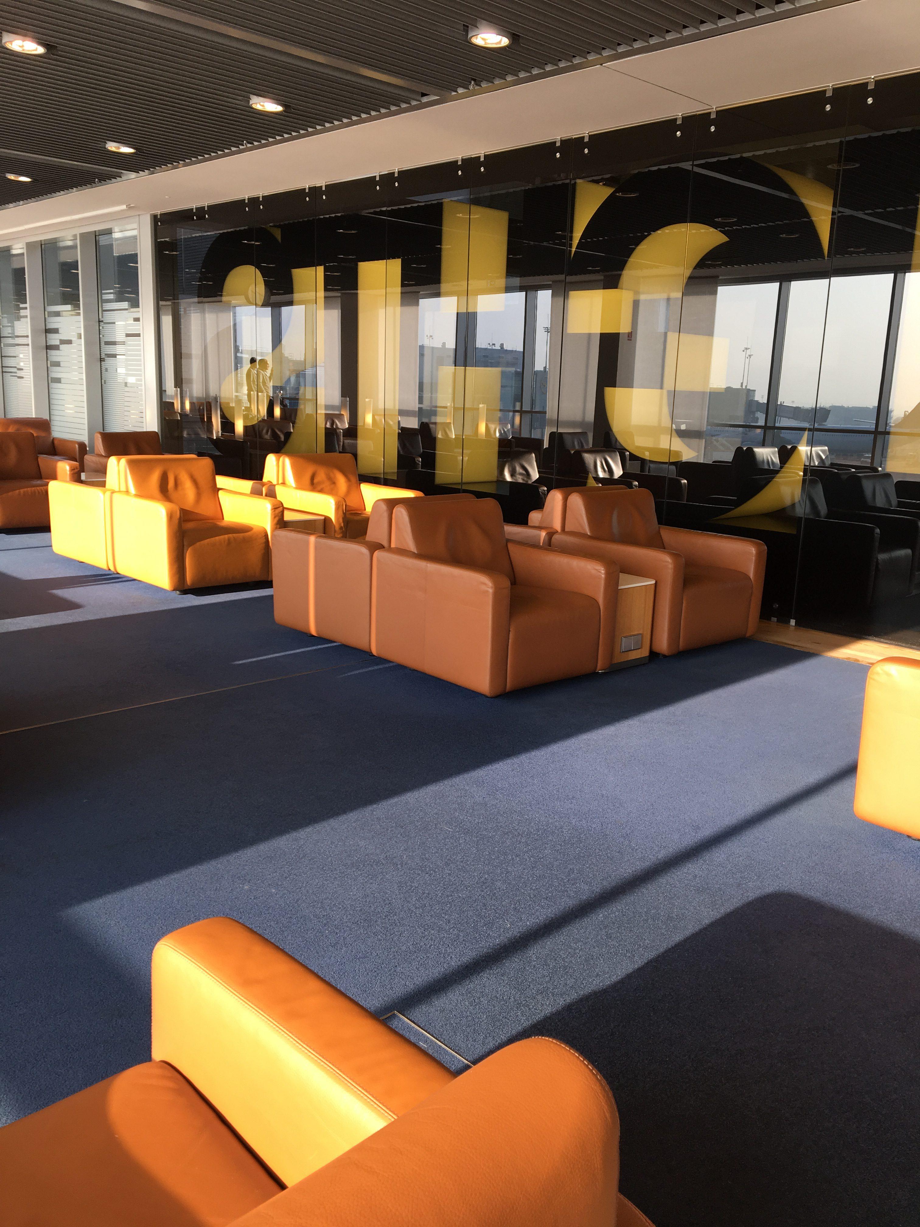 Lounge Review: Die Lufthansa Senator Lounge Frankfurt Terminal 1 B ...