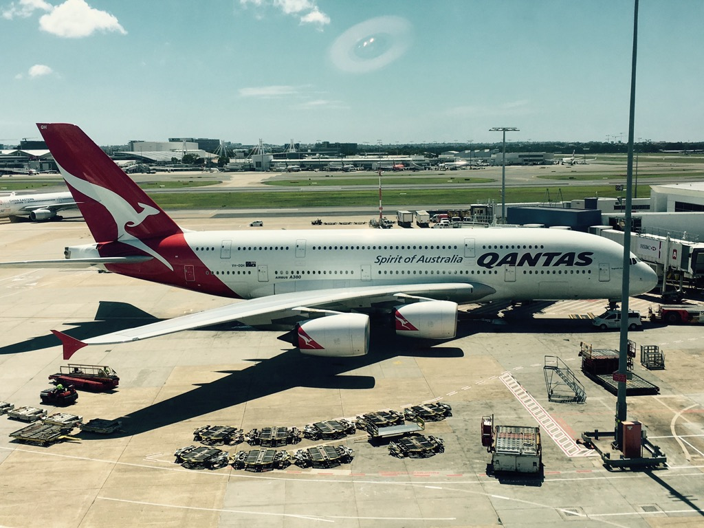 review qantas business class airbus a380 los angeles nach sydney. Black Bedroom Furniture Sets. Home Design Ideas
