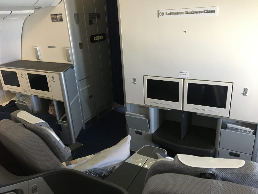 Review: Lufthansa Business Class Airbus A330 Frankfurt ...