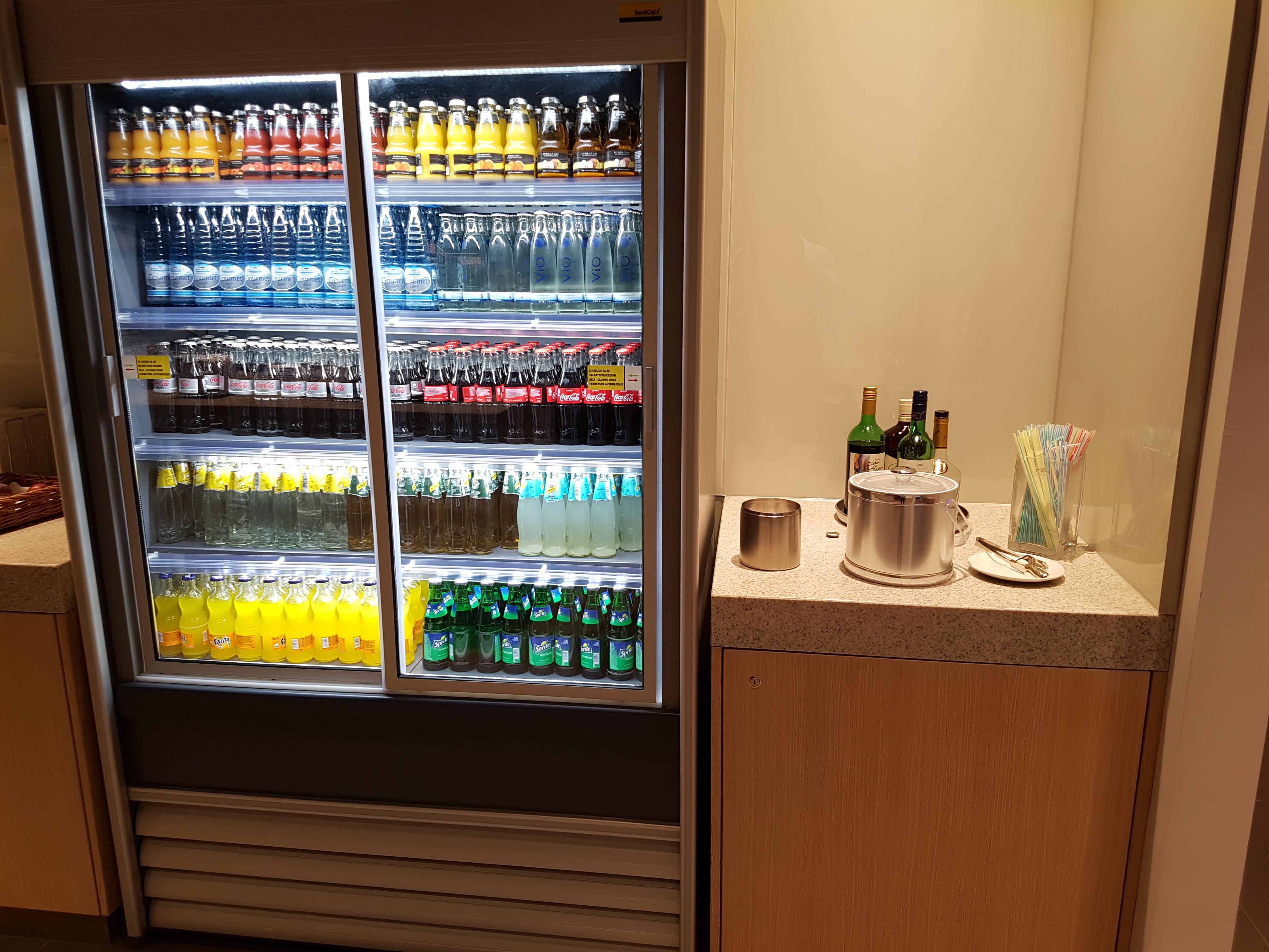 Kühlschrank Junker : Kühlschrank junker schublade gemüseschale kühlschrank fiyo casa