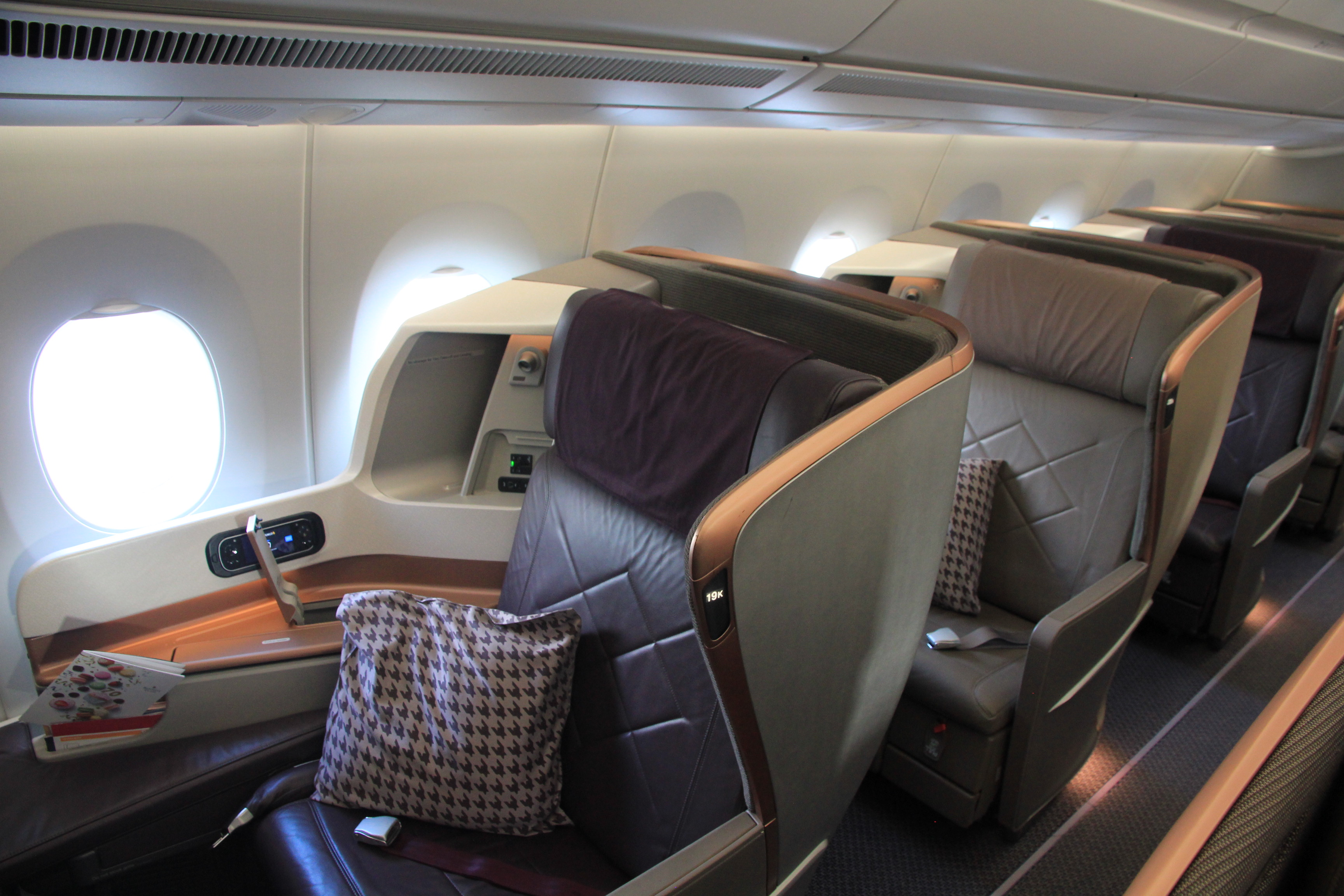 singapore airlines stellt die neue business class in der boeing 787 10 vor. Black Bedroom Furniture Sets. Home Design Ideas