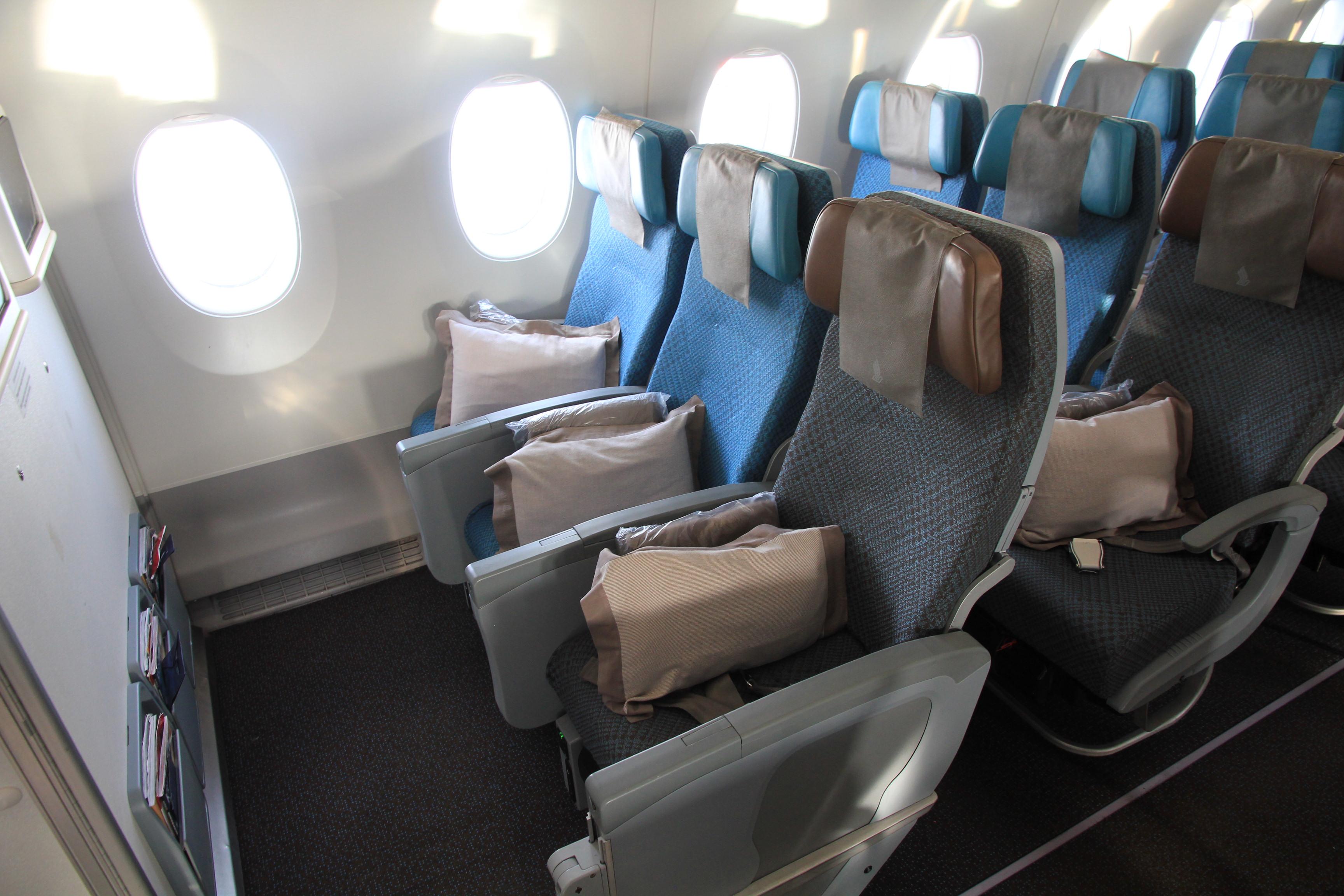 singapore airlines business class im airbus a350 die kabine von stockholm nach moskau. Black Bedroom Furniture Sets. Home Design Ideas