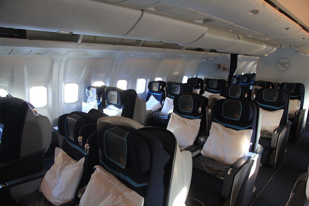 review condor business class in der boeing 767. Black Bedroom Furniture Sets. Home Design Ideas