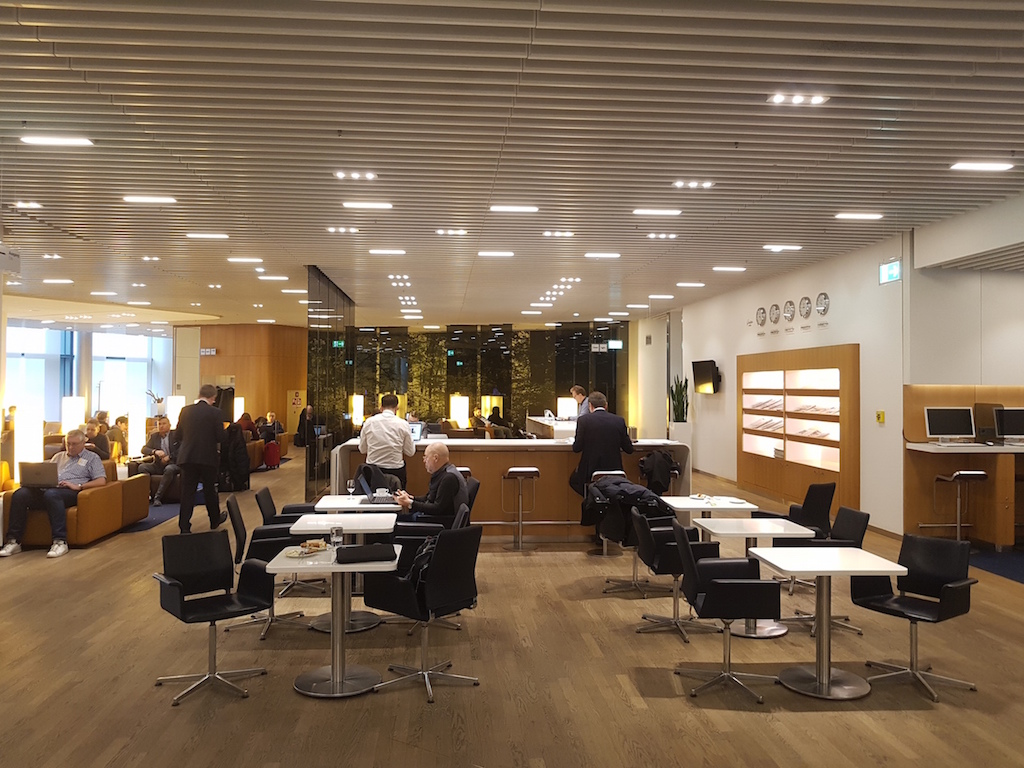 review lufthansa senator lounge frankfurt terminal 1 a frankfurtflyer de