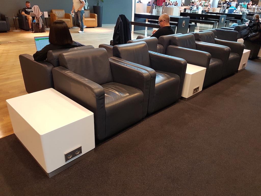 Lufthansa-Business-Class-Lounge-M%C3%BCn