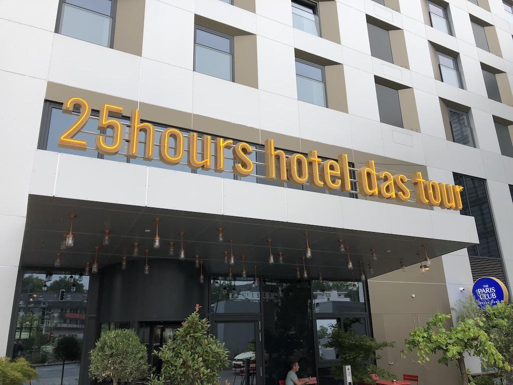 review 25hours hotel das tour d sseldorf. Black Bedroom Furniture Sets. Home Design Ideas