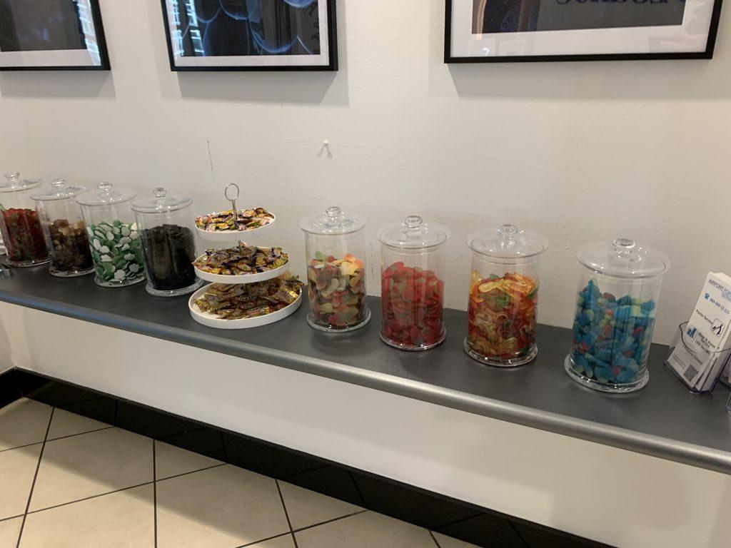 Süßigkeiten-bar der Sky Lounge in Frankfurt.