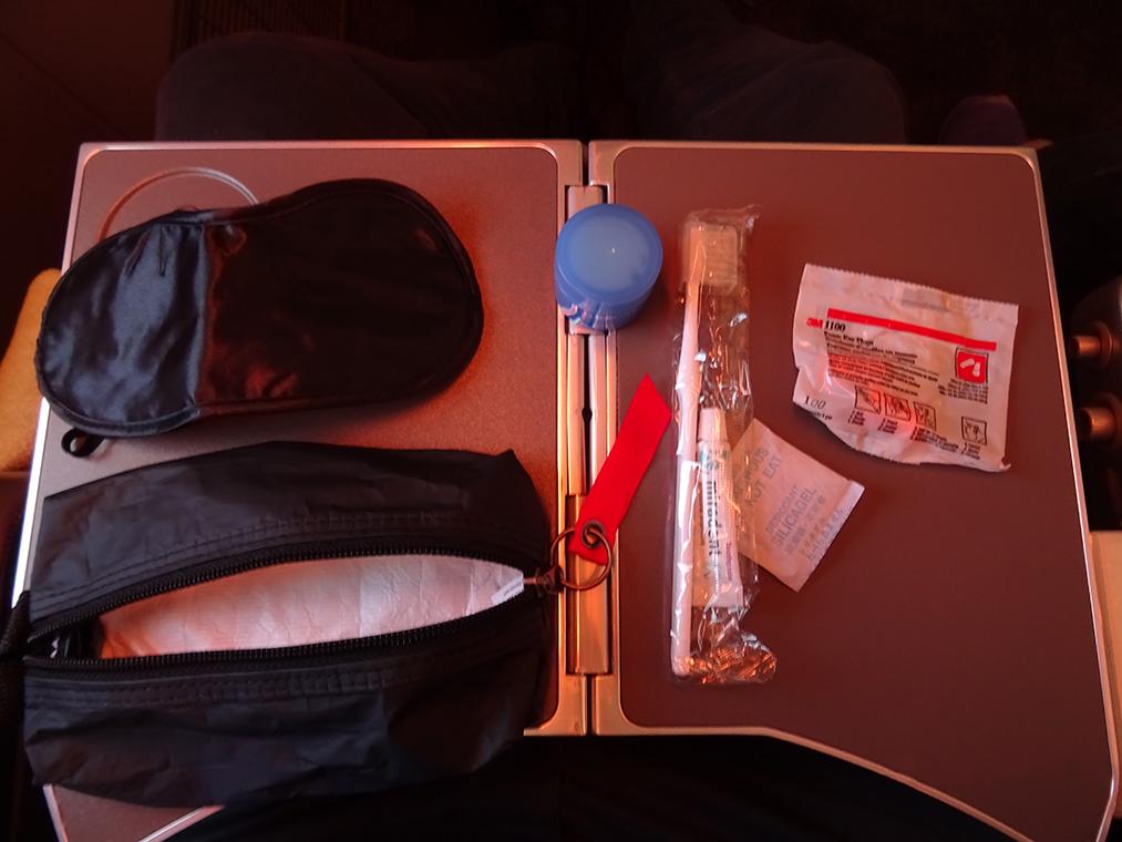CI62 PE Amenity Kit Ausgepackt