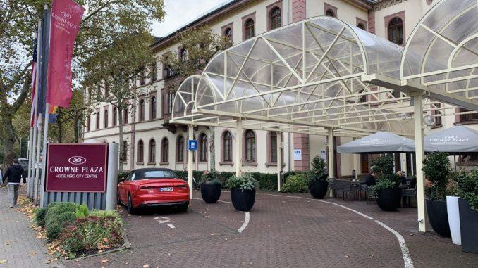 Crowne Plaza Heidelberg Hotel-Vorfahrt