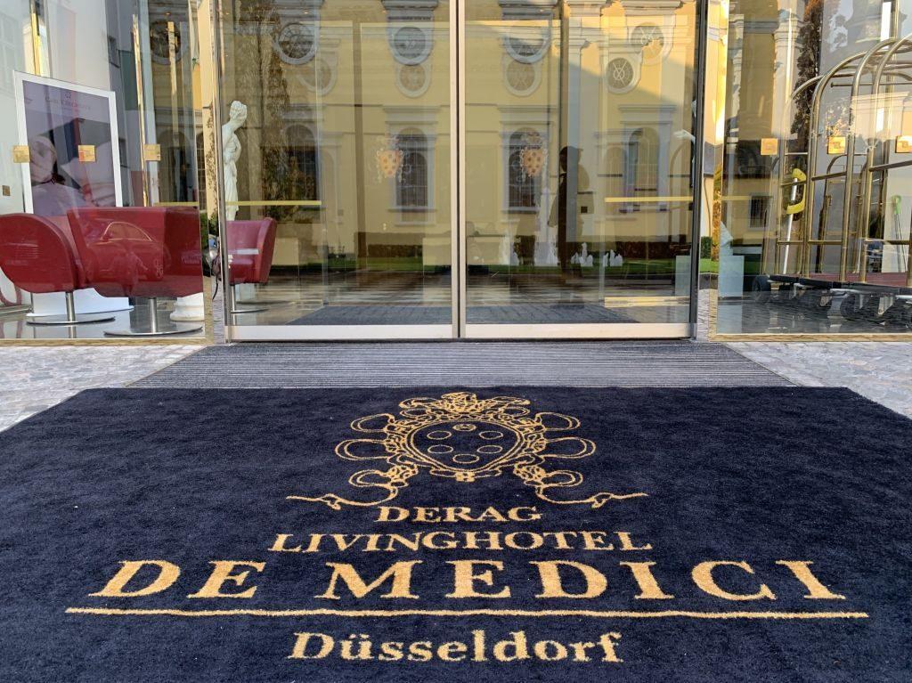 Derag Living Hotel de Medici Düsseldorf Eingang